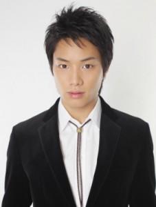 鈴木伸之 227x300 鈴木伸之 EXILE劇団 「アラグレ」映画や舞台に引っ張りだこ!